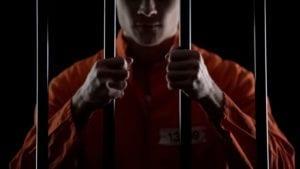man, jail killer, Larry Shandola, sue, victim, bars, imprisoned, orange, business partner, failure, Canada, prison, United States, judge, court, invasion of privacy
